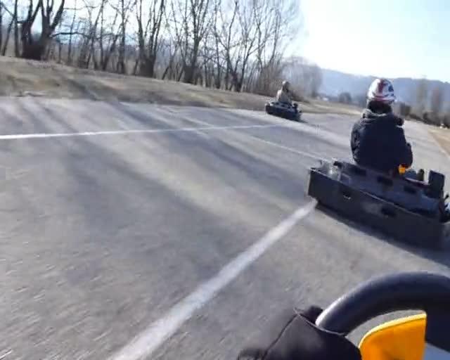Karting mont limar video for Go kart interieur