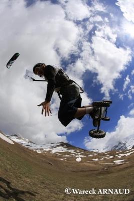 Jump kitemountainboard X shape au Chazelet by W