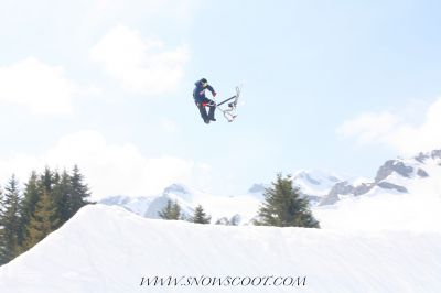 SNOWSCOOT INSANE SNOWSCOOT RIDER NICOLAS PILLIN 360TAILWHIPPING OVER THE GAP OF LES CROZETS