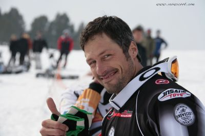 SNOWSCOOT INSANE RIDER TIBOR SIMAI SHOWING HIS FAIR PLAY AT THE WORLDS 07