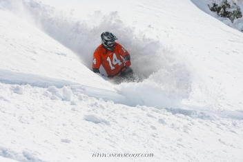 SNOWSCOOT RIDER TAZ POWER TURNING IN HEAVY SNOW