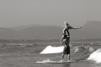 Surf Tandem à Biarrtiz ! Crédit Basile DELL
