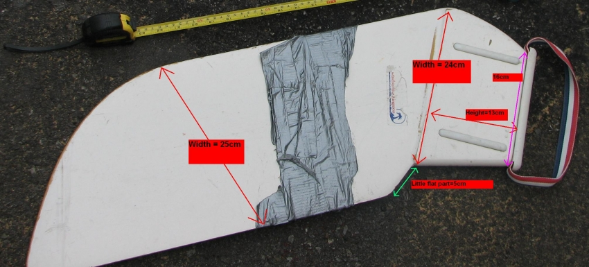 Dimensions of an old Windsurfer daggerboard - Photo