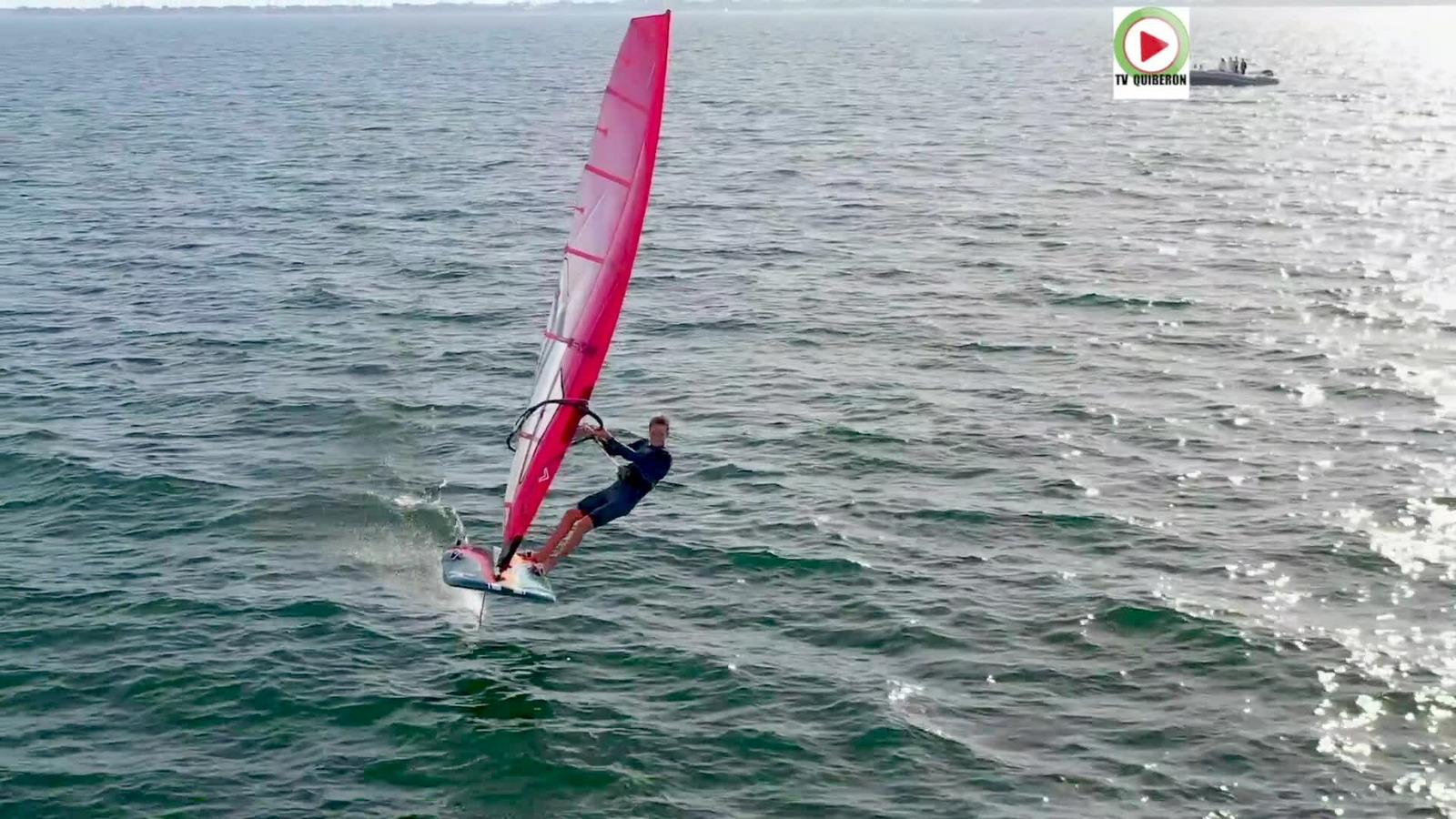 Video Windsurf Iqfoil Louis Giard Roi De La Baie Tv Quiberon 24 7